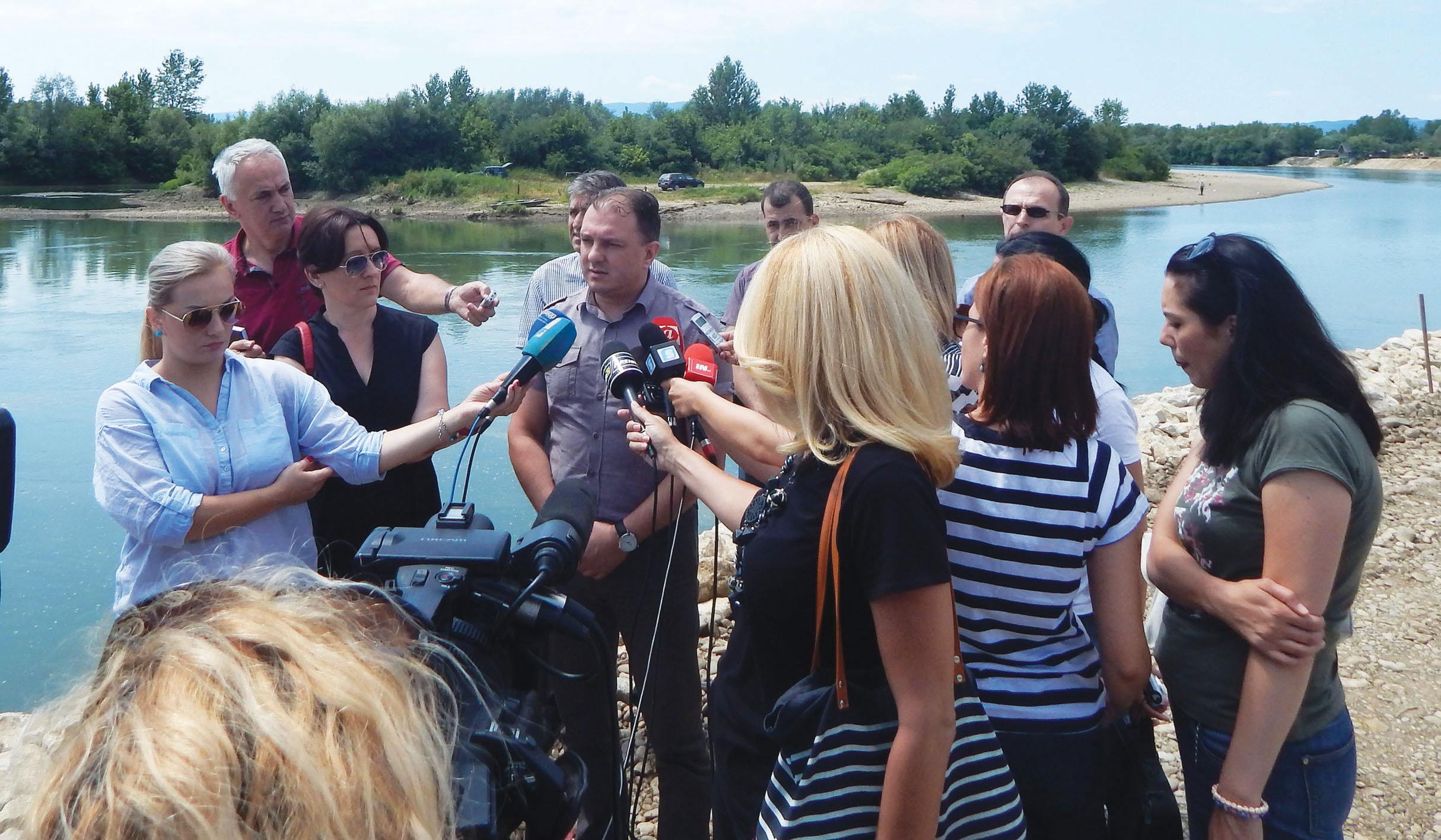 Семберија: У току радови на уређењу обала ријеке Дрине и Лукавца