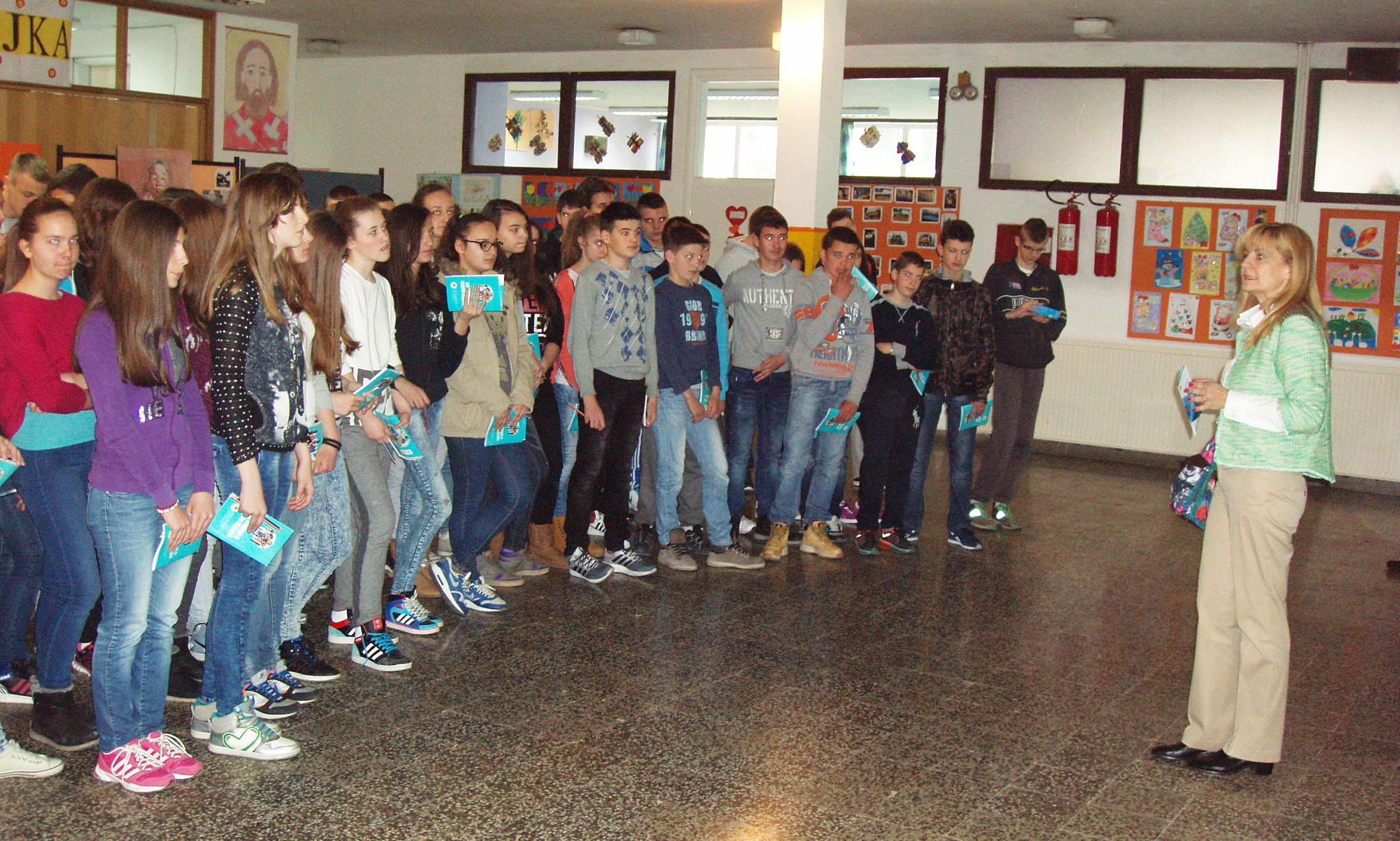 Приједор: Ученицима подијељен едукативни материјал