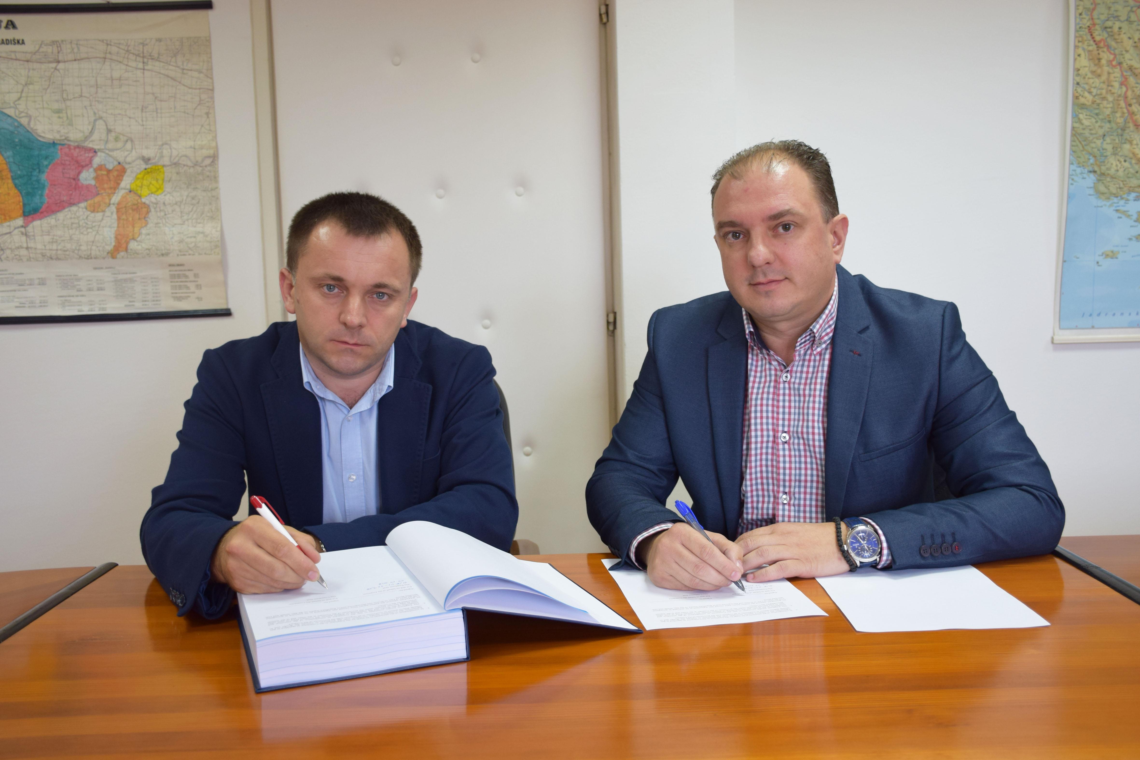 Potpisan ugovor za rekonstrukciju Majevičkog obodnog kanala i kanala Glogovac