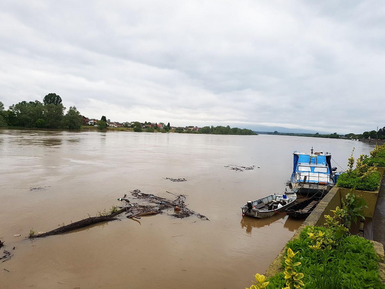 Dubička ravan i Ivanjsko polje – redovne mjere odbrane od poplava