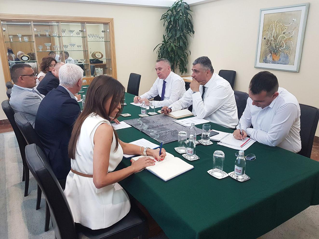 Sastanak u Beogradu: Uređenje korita rijeke Drine prioritet u saradnji Srbije i Republike Srpske