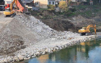 Banja Luka: Počeli radovi na sanaciji klizišta kod Zelenog mosta
